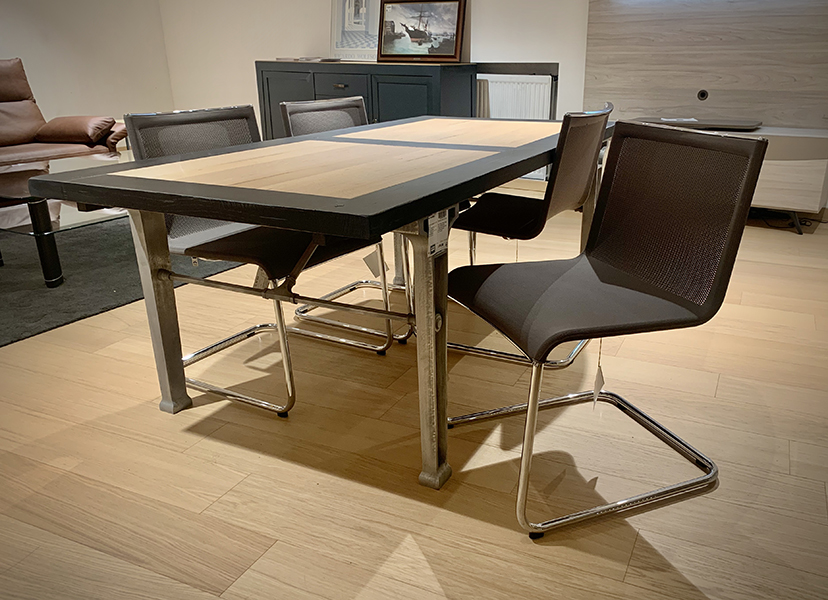 Grange / 1904 : 3385€  --> 1693€ (Table-Tafel) - Hulsta / D18-3 : 2696€ -50% = 1348€ (4chaises-Stoelen)