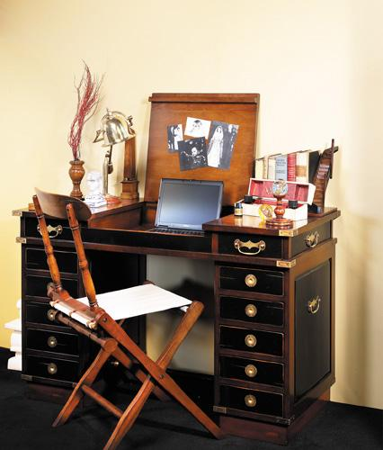 Authentic Models Desk